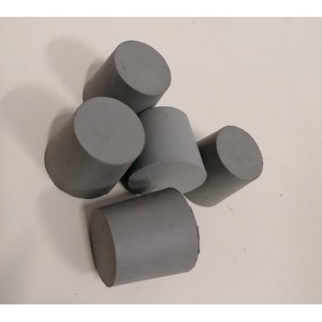 Rubber plug for inerting 31 to 54mm (with central hole)